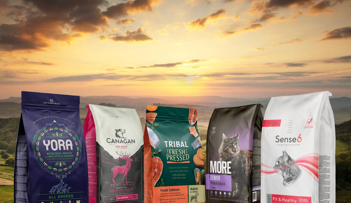 We'll bring nature to you. The world's best pet foods - Delivered next day